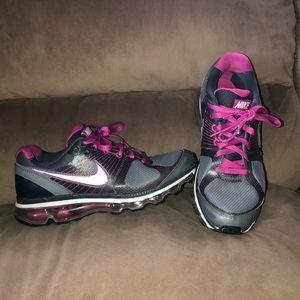 Nike Air Max 2010 tennis shoes size 8